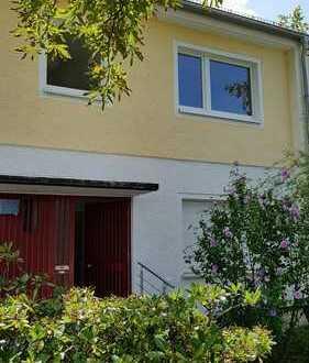 Doppelhaushälfte in Berlin-Lankwitz in ruhiger Lage mit schönem Garten