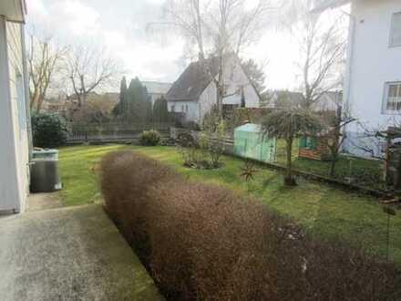 4-Zimmerwohnung mit eigenem Garten im Zweifamilienhaus