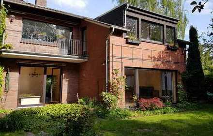 Großzügiges, freistehendes EFH mit Garten, Balkon und Kamin, TOP-Wohnlage (zentral aber ruhig)