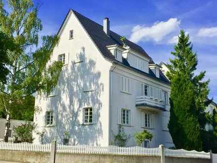 4,5-Zi.-Maisonette-Wohnung mit Balkon in eleganter Stadt-Villa in bester Stadtlage!