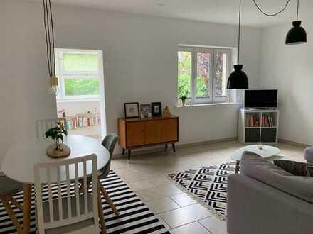 Schöne 3-Zimmer-Wohnung mit zwei eigenen Gärten in Zehlendorf