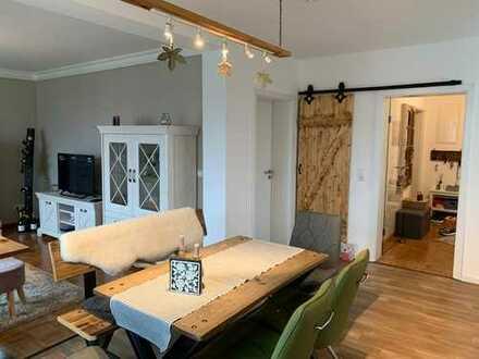 Vollständig renovierte 2-Zimmer-Wohnung mit Balkon in Hatzenbühl