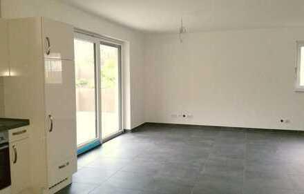 Sofort beziehbare Souterrain-Wohnung in gehobener Ausstattung mit EBK, großer Terrasse u. Stellplatz