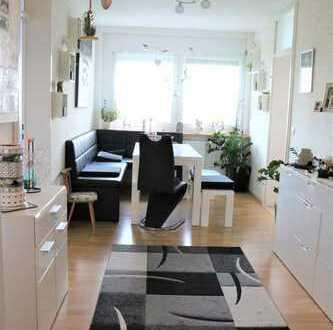 Komplett renovierte 4 Zimmer Wohnung in gepflegter Wohnanlage