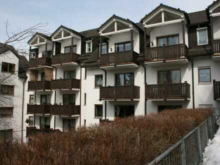 Modernisierte 1-Raum-Wohnung mit Balkon in Lengenfeld