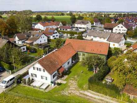 Charmantes Bauernhaus mit herrlichem, sonnigen Garten in ruhiger Lage!