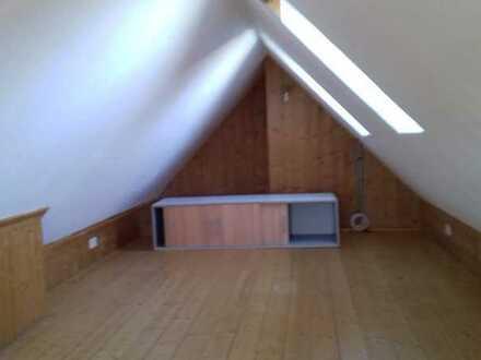 1,5-Raum-Maisonette-Wohnung mit Einbauküche 15 km nördlich von Ulm