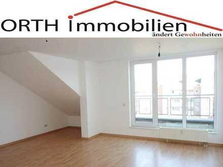Gepflegte 3 Zimmer Dachgeschoss Wohnung mit Sonnenbalkon und Aufzug