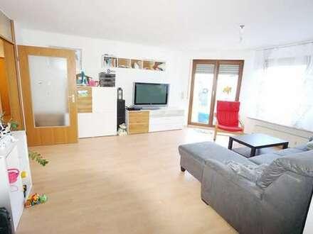 Helle 4-5 Zimmer-Wohnung in zentraler und trotzdem ruhiger Wohnlage von Ruit mit Garage