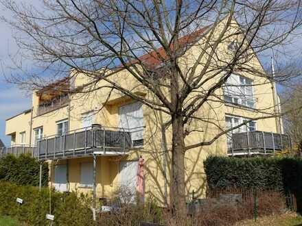 helle 2-Raum-Wohnung mit Terrasse
