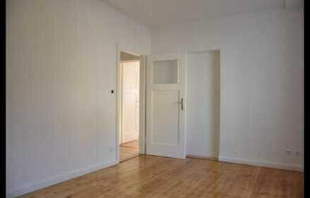 Gepflegte 3-Raum-Hochparterre-Wohnung mit Balkon und Einbauküche in Pforzheim Rod/Weiherberg