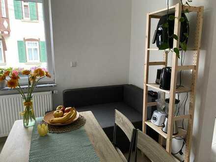 Möbliertes 9qm Zimmer in netter 70qm 3er WG