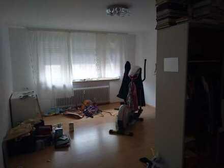 Helles, großes Zimmer in Talheim