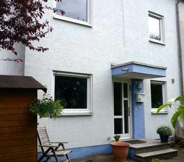 Schönes Reihenendhaus mit sieben Zimmern in Mainz, Ebersheim