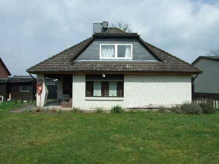 Modernisierte Wohnung mit vier Zimmern und Einbauküche in Wesendorf