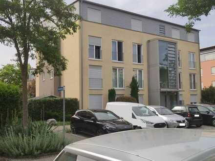 Gepflegte 4-Zimmer-Wohnung mit Balkon und Einbauküche in Denzlingen an NR zu vermieten