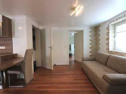 Kernsanierte 3 Zimmer Wohnung mit EBK und kleiner Garage