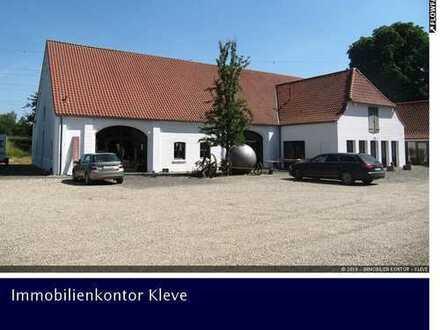 1.400 m² Nutzfläche Repräsentative Gewerbeflächen in sanierter, denkmalgeschützter Scheune