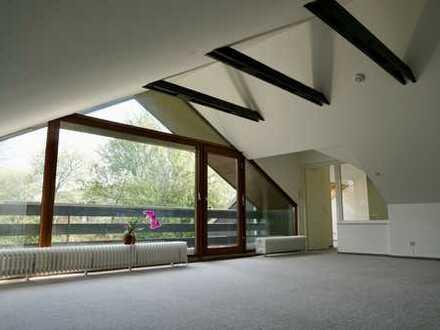 Wunderschöne 3,5 Zimmer-DG-Wohnung in absolut ruhiger Sackgassenlage nahe Stadtpark, renoviert