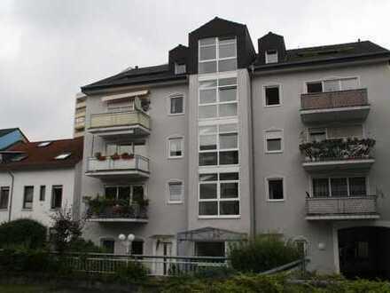 Zentrumsnahe ruhige 3 Zimmer ETW mit Balkon auf 94qm