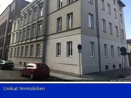 Tolle 3 Raum-Wohnung mit großer Dachterrasse, EBK und Fahrstuhl in der Altstadt