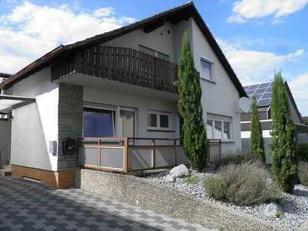 Ideal für junge Familie! Viel Platz-Wintergarten-Garten-Balkon!