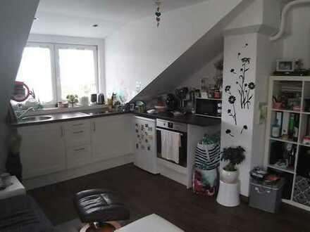 Schöne 2-Zimmer-Dachgeschosswohnung mit Einbauküche in Memmingen