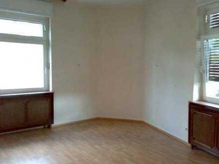 Helles 21qm Zimmer in schöner Altbauwohnung