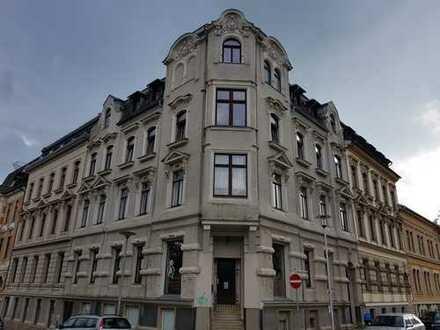 Geräumige, preiswerte und sanierte 2-Zimmer-Hochparterre-Wohnung in Plauen