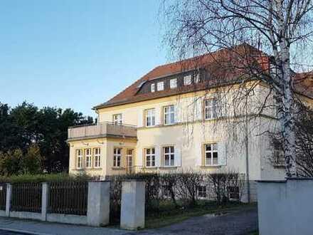 Sonnige Terrassenwohnung in sanierter Villa