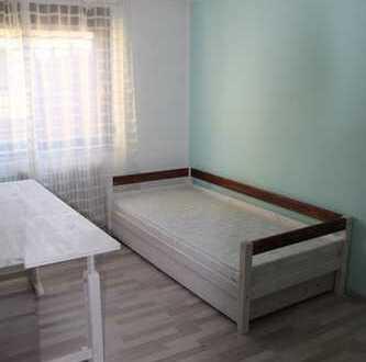 Zimmer in einer 2er Frauen-WG