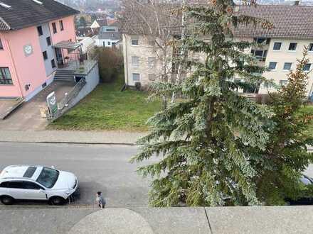 Familien & Kapitalanleger aufgepasst: Große, helle Wohnung in TBB - kpl. saniert, mit Balkon!