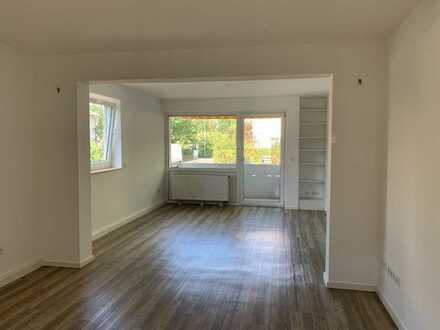 Sanierte 4-Zimmer-Maisonette-Wohnung mit 2 Balkonen, Stellplatz und Einbauküche in Frankenthal