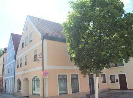 Barrierefreie Büro- oder Praxisfläche in der Schwandorfer Innenstadt zu vermieten!