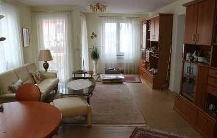 Neuwertige 2-Zimmer-Wohnung mit Balkon in Mannheim-Sandhofen
