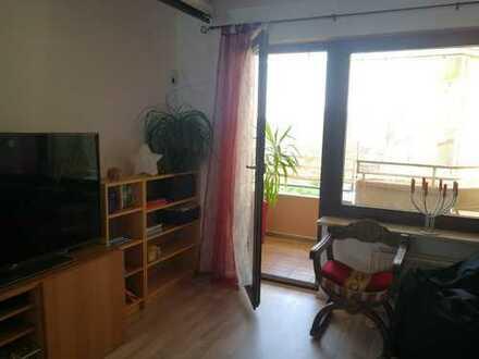 Helle 4-Zimmer-Wohnung mit Balkon in Fürth