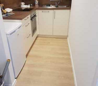 Frisch renovierte 2-Zimmer Wohnung mit Südlage - Provisionsfrei **Erbpacht**