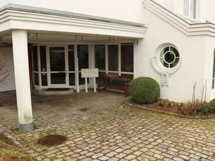 Top gepflegtes Büro mit 3x Stellplatz in zentraler ruhiger Lage in 71149 Bondorf, KM 900€