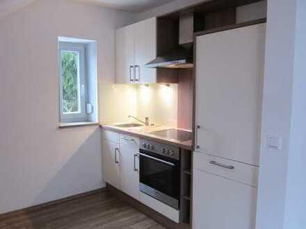 Gepflegte 2-Zimmer-DG-Wohnung mit EBK in Amberg