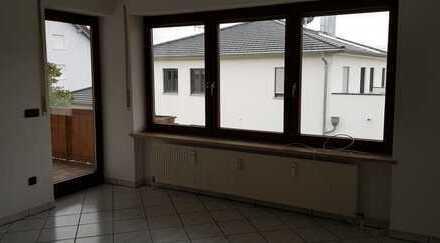Lenting schöne 4 ZKB Wohnung im 1. Obergeschoss