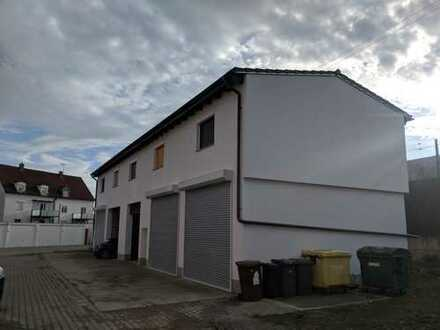 Wohngebäude inkl. 2 riesige Garagen & Keller