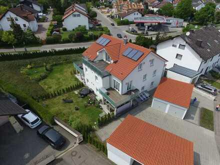 Exklusive, neuwertige 5-Zimmer-Souterain (EG+UG) Wohnung mit 400m² Garten & EBK in Wettstetten