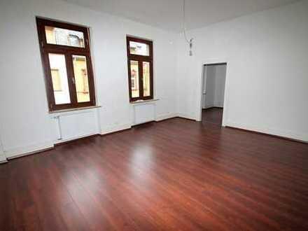 Schicke 4-Zimmer-Altbauwohnung