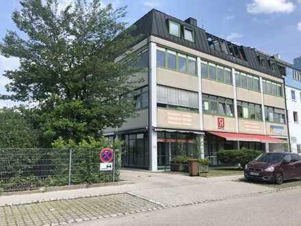 Lichtdurchflutete Bürofläche in Gilching, aufteilb. in ca. 300 m² - 360 m²! Aktuell noch unrenoviert