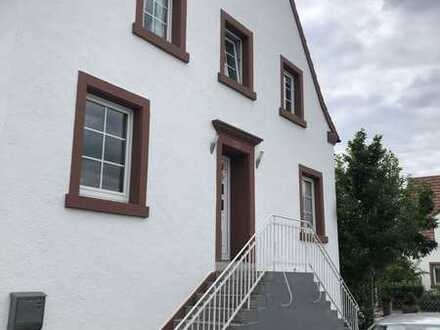 6-Zimmer-Eckhaus (Altbau) in Bruchmühlbach-Miesau