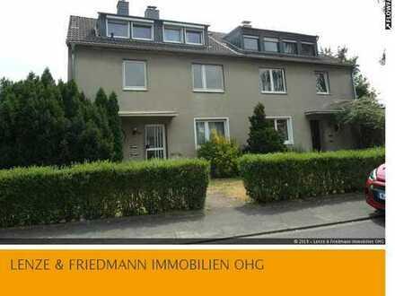 Dünnwald einseitig angebautes 1-2 Familienhaus 144m² + DG auf 850m² Grundstück mit zwei Garagen