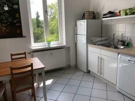 Suchst Du noch? 2 Zimmer in toller 2-er WG in Poppelsdorf! Ab 1.8. 20 + 10 QM.