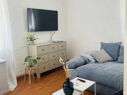Wg Zimmer in zentraler Altbau Wohnung