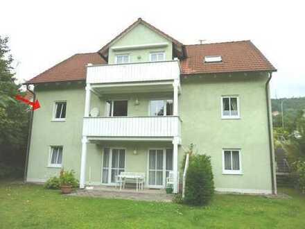Mit Blick ins Grüne: 2-Zimmer-Wohnung mit Einbauküche