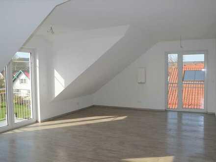 Erstbezug: attraktive 2-Zimmer-Dachgeschosswohnung mit Galerie und Balkon (Fuchstal)